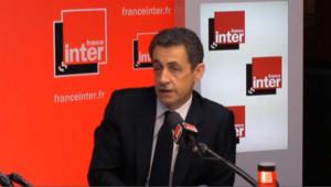 """Sarkozy : """"la stupidité"""" de ceux """"qui m'accusent de fascisme"""""""