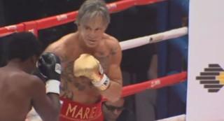 Retour gagnant pour Mickey Rourke... sur le ring !
