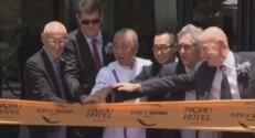 De Niro inaugure un hotel à Manille, le 18 mai 2015.