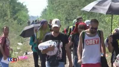 Crise migratoire : la France et l'Allemagne défendent les migrants, la Hongrie décriée