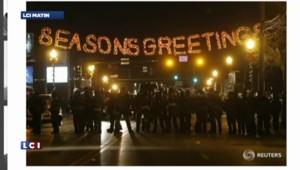 Ferguson : 29 arrestations et des pillages dans la nuit