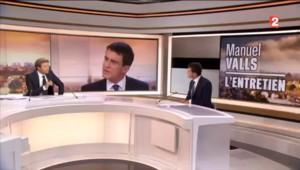 """Manuel Valls : Nicolas Sarkozy est """"mû par la revanche"""""""