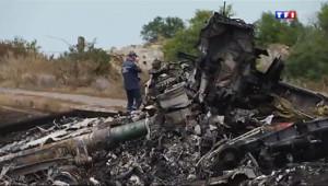 Le 20 heures du 20 juillet 2014 : Crash du MH17 : une enqu� impossible ? - 127.945