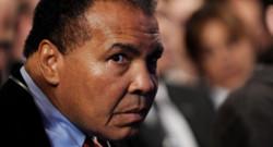 Mohamed Ali, ex-champion du monde de boxe poids lourds, victime de la maladie de Parkinson