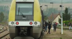 Le 13 heures du 30 octobre 2014 : 15 arr� de TER supprim�dans l'Yonne : une p�tion s%u2019organise - 821.7290073852538