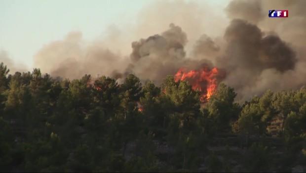 Bouches-du-Rhône : un incendie ravage 300 hectares