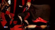 Madonna parodiée sur le web après sa chute spectaculaire aux Brit Awards