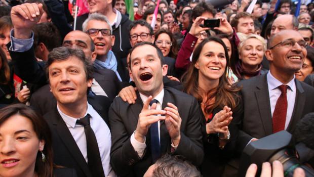 Explosion de joie à l'annonce de la victoire de François Hollande.