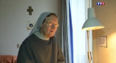 Le 13 heures du 1 avril 2015 : Couvents et abbayes (3/5) : Valogne, des bénédictines accueillent des visiteurs - 2180.0560000000005