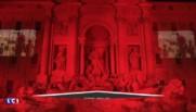 Chrétiens persécutés : la Fontaine de Trevi à Rome en rouge