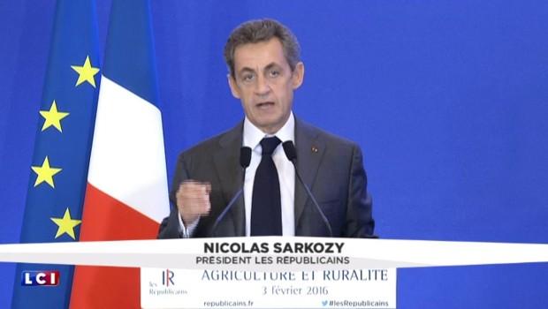 Crise agricole : Sarkozy tacle ouvertement Hollande sur sa gestion du dossier