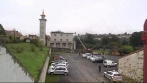 La mosquée de Poitiers (Vienne), occupée par un groupuscule d'extrême-droite le 20/10/2012.