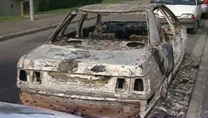 TF1 / LCI Une voiture incendiée