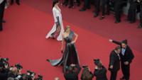 Petra Němcová, mannequin tchèque, a marqué la première chute du festival de Cannes
