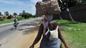 Dans une rue d'Abidjan, avril 2011