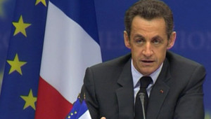 Nicolas Sarkozy lors de sa conférence de presse au Conseil européen (16 octobre 2008)