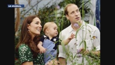 Cliché officiel du prince George, du prince William et de Kate pour le 1er anniversaire de l'enfant du couple