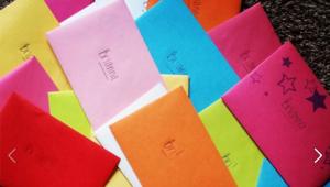 Atteinte d'un cancer, elle écrit des lettres à sa famille de 4 ans