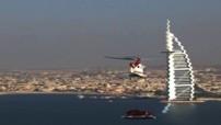Insolite : Une Aston Martin Vanquish dans le ciel de Dubaï
