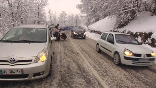 Le 20 heures du 31 janvier 2015 : Ariège : circulation ouverte après les chutes de neige, prudence de rigueur - 531.92