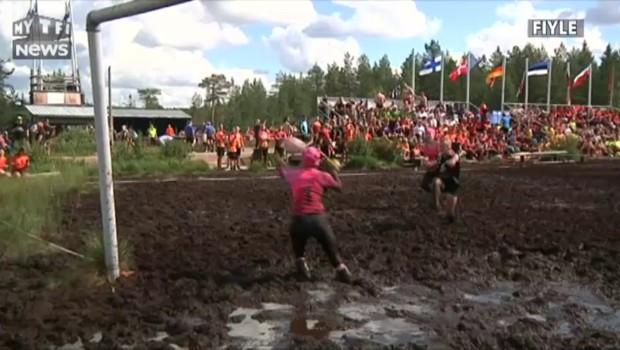 Le Swamp Soccer, des championnats du monde de football dans la boue