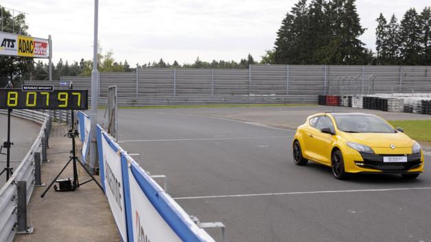 renault-megane-rs-trophy-nurburgring-10479686idauh_2038