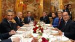 François Hollande et Barack Obama au restaurant étoilé L'Ambroisie, place des Vosges à Paris