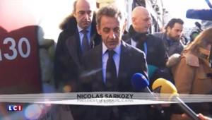 """Sarkozy estime que les médias font """"parfois obstacle"""" entre lui et les Français"""
