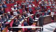 """Salaire de Ghosn : Macron lui demande de """"prendre ses responsabilités"""" sous peine de légiférer"""