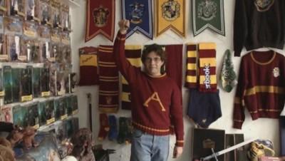 Asher Silva Vargas a la plus grande collection d'objets Harry Potter du monde.