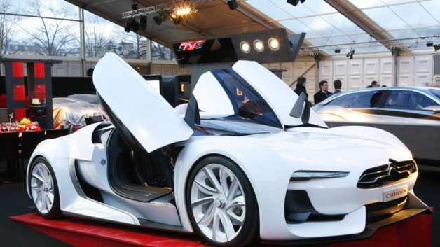 news automoto venez admirer les plus belles voitures du moment mytf1. Black Bedroom Furniture Sets. Home Design Ideas