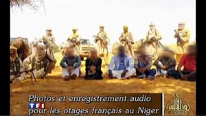 Sahel : Al-Qaïda diffuse des documents montrant les otages vivants
