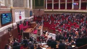 A l'Assemblée, l'union nationale pour l'état d'urgence