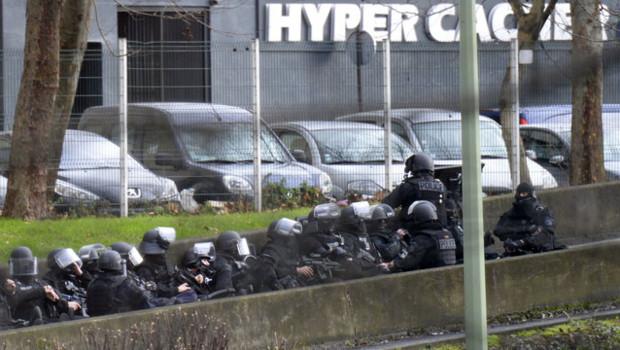 """Prise d'otages au """"Hyper Cacher"""" de la porte de Vincennes, le 9 janvier 2015"""