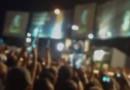 Steven Tyler, le chanteur d'Aerosmith, chutant de scène le 5 août 2009