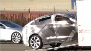 Tesla Model X surprise en essais