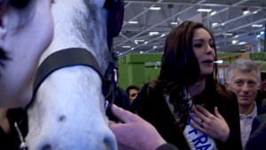 Miss France : la belle et les btes au Salon de l&#039;Agriculture 