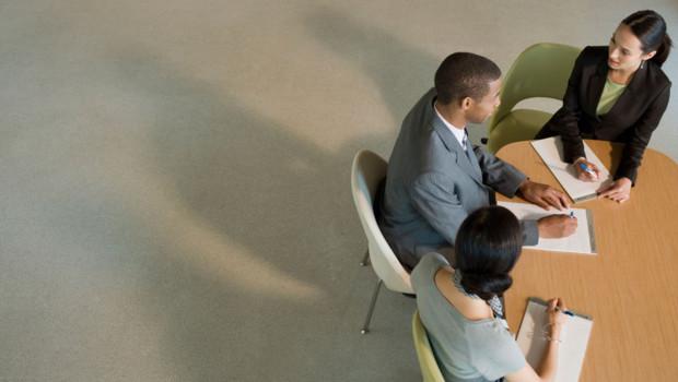 Des cadres dans une réunion (image prétexte).