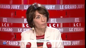 """""""Pour gagner les élections, il ne suffit pas de se taper la poitrine comme Tarzan"""", affirme Touraine"""