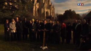 Tuerie de Newtown : une minute de silence et 26 coups de cloche