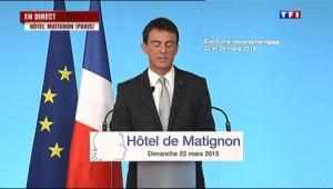 """Valls : """"Ce soir, l'extrême-droite n'est pas la 1re formation politique de France, je m'en félicite """""""