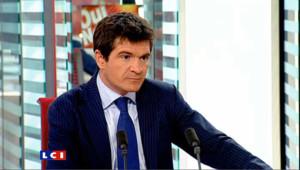 """Benoist Apparu : """"Déclarations de L. Ferry : il ne faut pas de boules puantes dans le systême politique"""""""