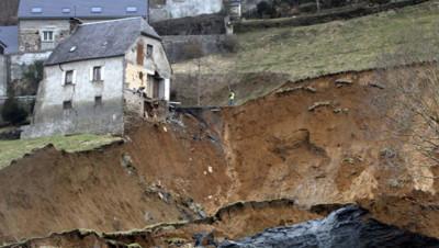 Hautes-Pyrénées : le village de Gazost coupé du monde suite à un glissement de terrain