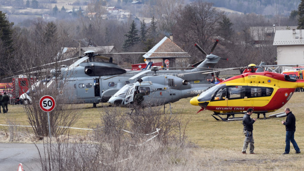 Les secours dans les Alpes après le crash d'un A320 de German Wings, le 24 mars 2015