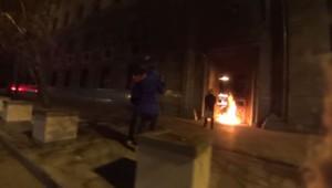 Pior Pavlenski devant le FSB à Moscou.