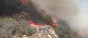 Etats-Unis : la Californie toujours ravagée par les flammes