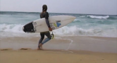 Le 20 heures du 26 septembre 2014 : Surf : les femmes n%u2019ont plus rien �nvier aux hommes - 1420.7009615478516