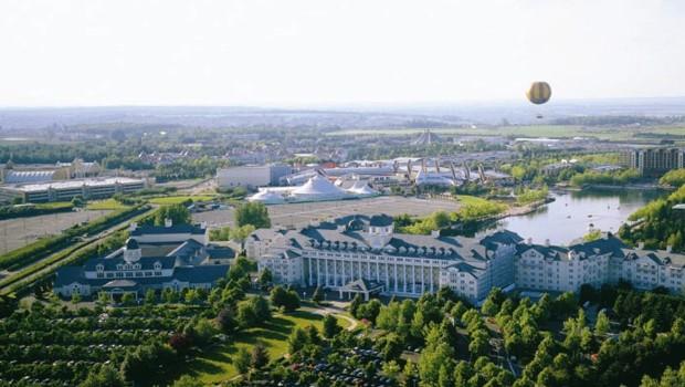 Disneyland Paris doit remplir à l'année 8.000 chambres d'hôtel. Le taux d'occupation dépasse les 90% pour la première fois.