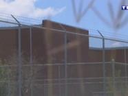 EXTRAIT Sept à Huit : aux Etats-Unis, la police est dans l'école