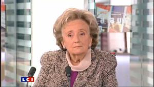 """Pour Bernadette Chirac, """"ce n'est pas bien de mentir"""" sur l'état de santé de son mari"""